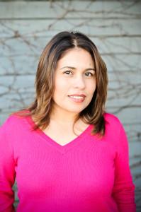 Blogger-Society-Featured-Influencer-Laura-Medina-Filipowicz
